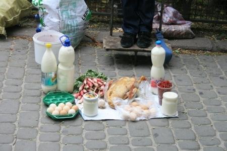 В поселке Приморский продолжаются проверки по выявлению несанкционированной торговли