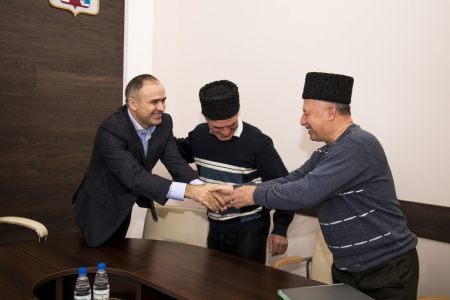 Глава администрации Феодосии встретился с лидерами мусульман с.Насыпного