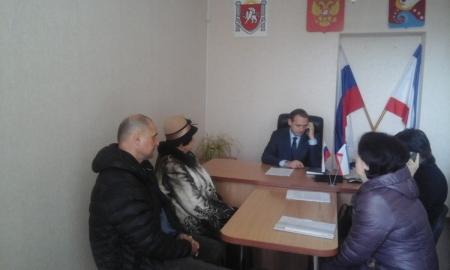 Сергей Фомич провел прием граждан в Приморском