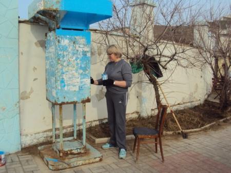 В поселке Орджоникидзе провели субботник
