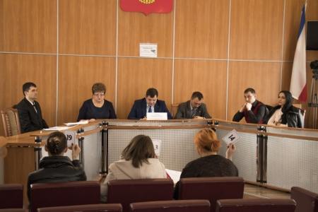 В Феодосии состоялся аукцион на право размещения нестационарных торговых объектов