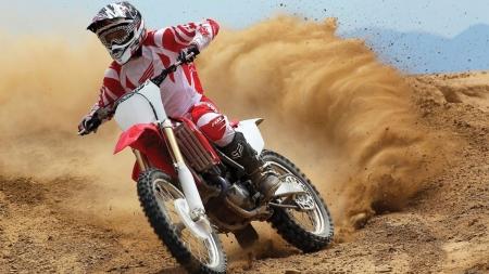 В Феодосии состоится чемпионат Республики Крым по мотокроссу (расписание)