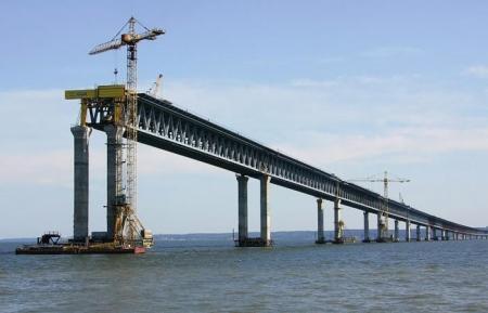 Строительство Крымского моста идет по графику и будет полностью завершено к концу 2019 года