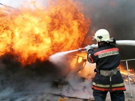 Крымские огнеборцы спасли мужчину при тушении пожара в феодосийской многоэтажке