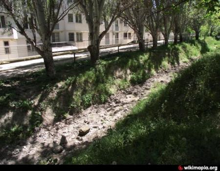 Феодосийские власти пресекли незаконный сброс сточных вод в древний генуэзский ров