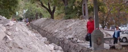 Археологи проведут раскопки на месте обнаружения артефактов, найденных при прокладке нового канализационного коллектора в Феодосии