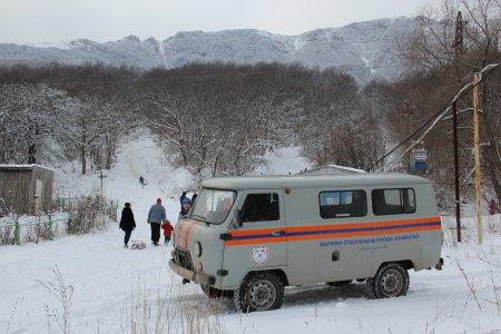 Спасатели на весь зимний сезон установили мобильные аварийно-спасательные посты на плато Ай-Петри и Ангарском перевале