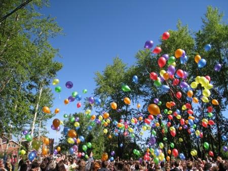 Феодосийцы запустят в небо георгиевскую ленту из воздушных шаров по случаю Дня героев Отечества
