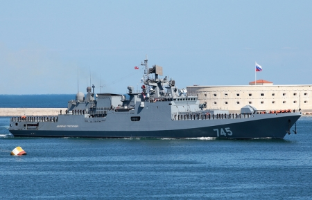 Фрегат «Адмирал Григорович» вернулся в Севастополь из Средиземного моря