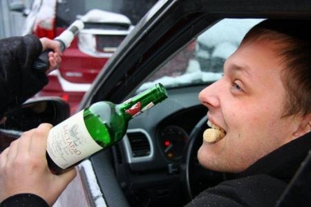 Пьяный, без прав, на чужой машине: севастополец устроил гонки с полицией