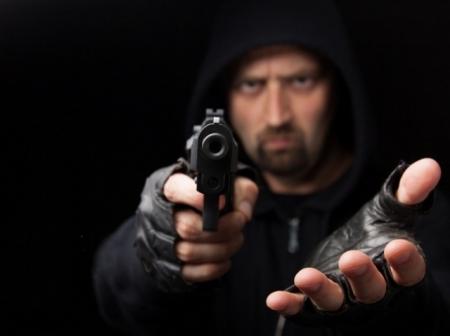 Преступник хотел ограбить заместителя главы администрации Феодосии