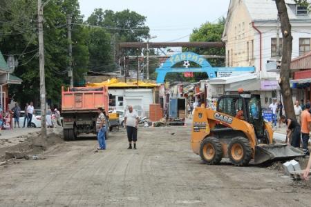 Власти Симферополя и Санкт-Петербурга намерены преобразовать стихийный книжный рынок в Литературный сквер