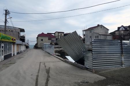 Феодосийская комиссия по сносу самостроев приняла решение о демонтаже почти трёх десятков незаконных торговых объектов в Коктебеле