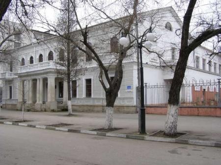 Феодосийский музей древностей представит к 8 марта выставку декоративно-прикладного искусства